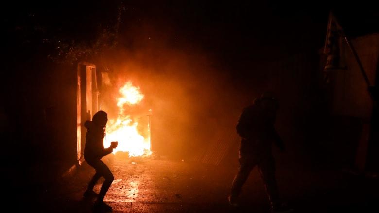 لبنان: احتراق بلدية طرابلس.. والحريري: جريمة والجيش وقف متفرجاًُ