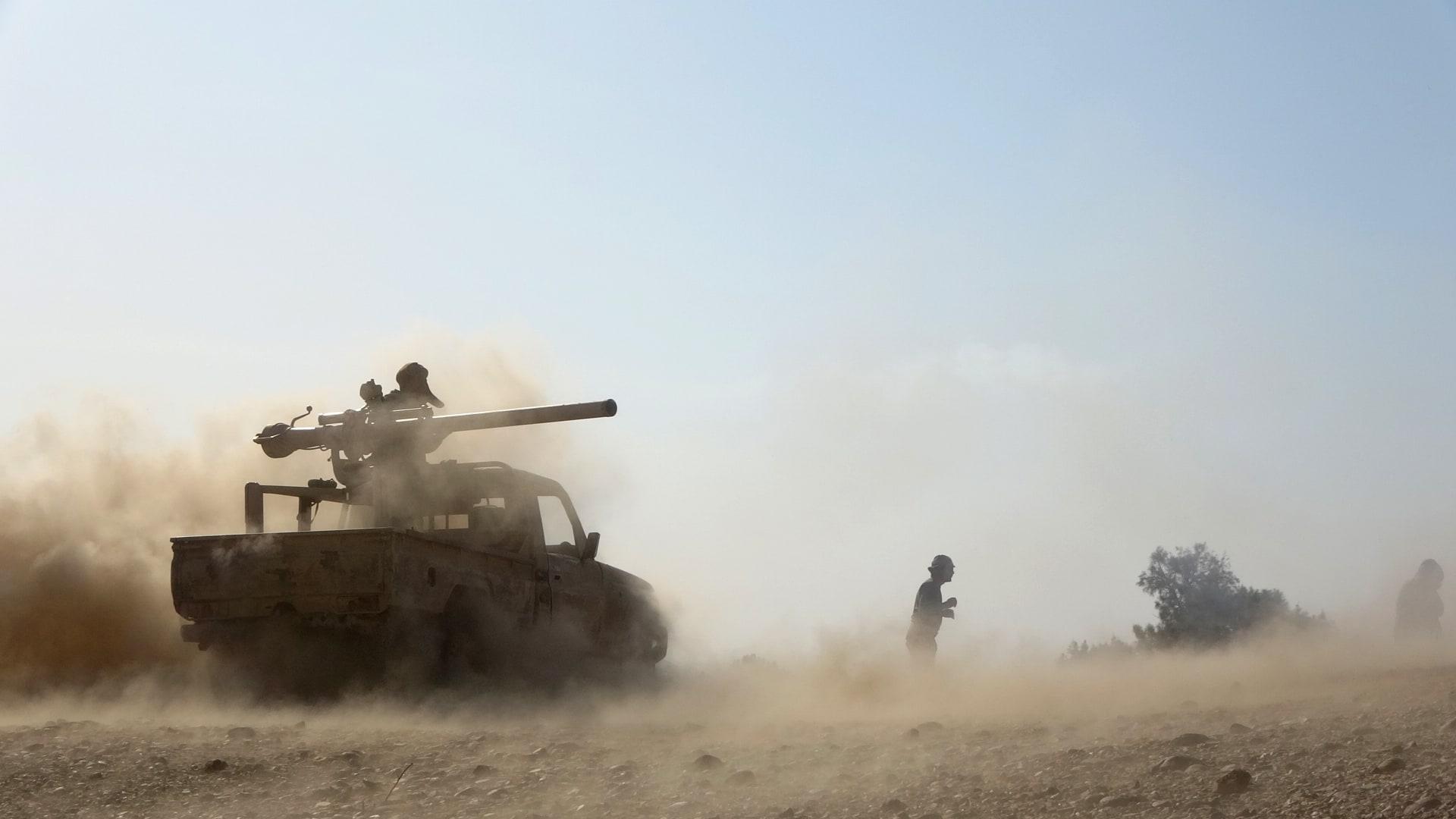 قوات حكومية تصد هجوماً للمتمردين الحوثيين على مأرب الغنية بالنفط، في 14 فبراير 2021.