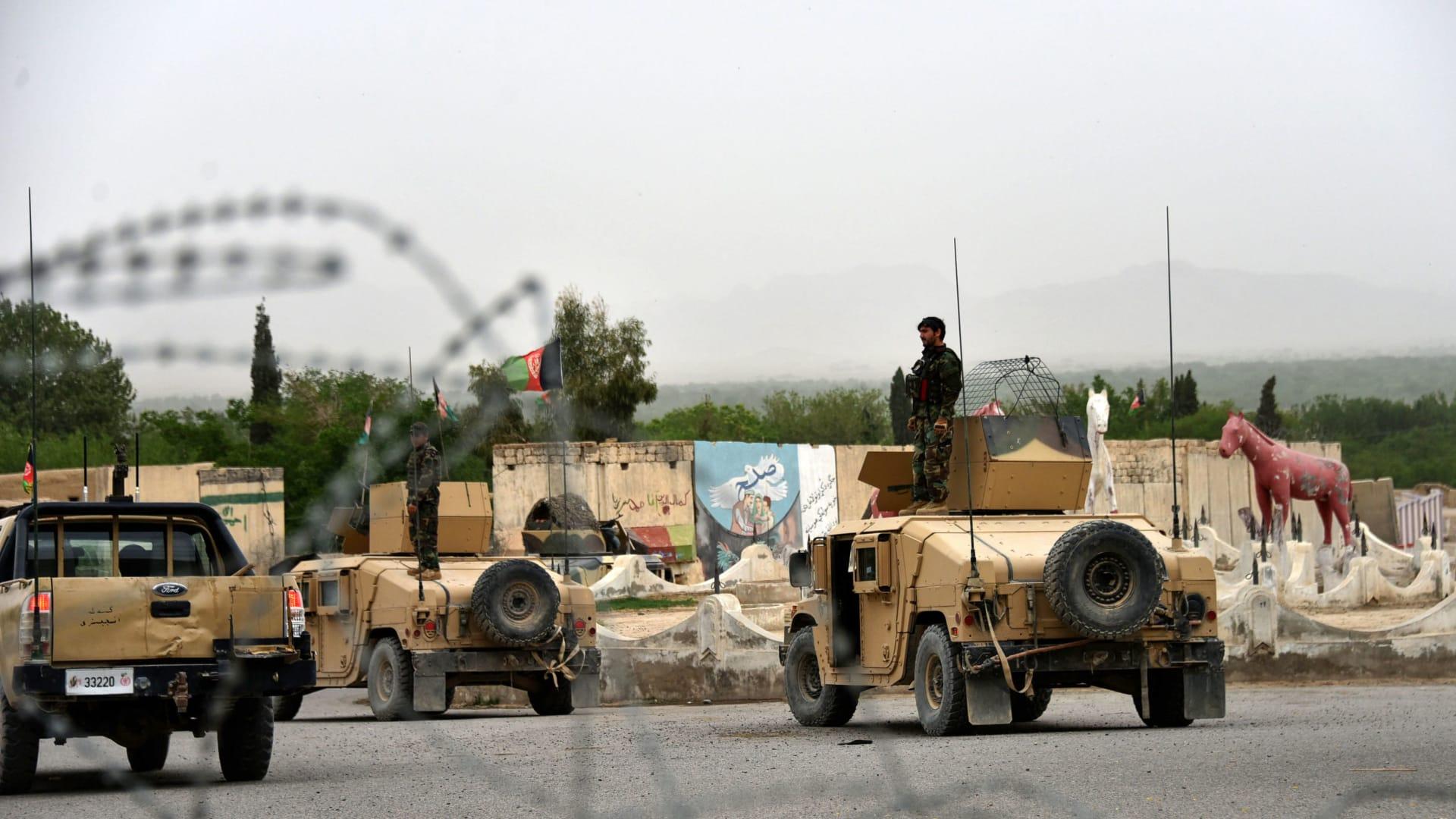 قتلى وجرحى في انفجار بعد يوم من إعلان أمريكا والناتو بدء الانسحاب من أفغانستان