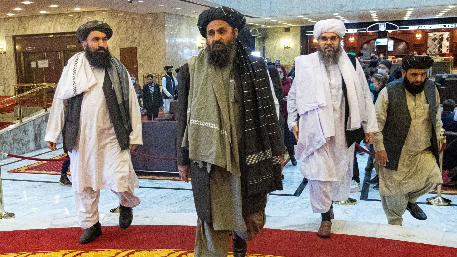 المتحدث باسم طالبان أولوياتنا الحفاظ على الأمن وحكومة إسلامية شاملة