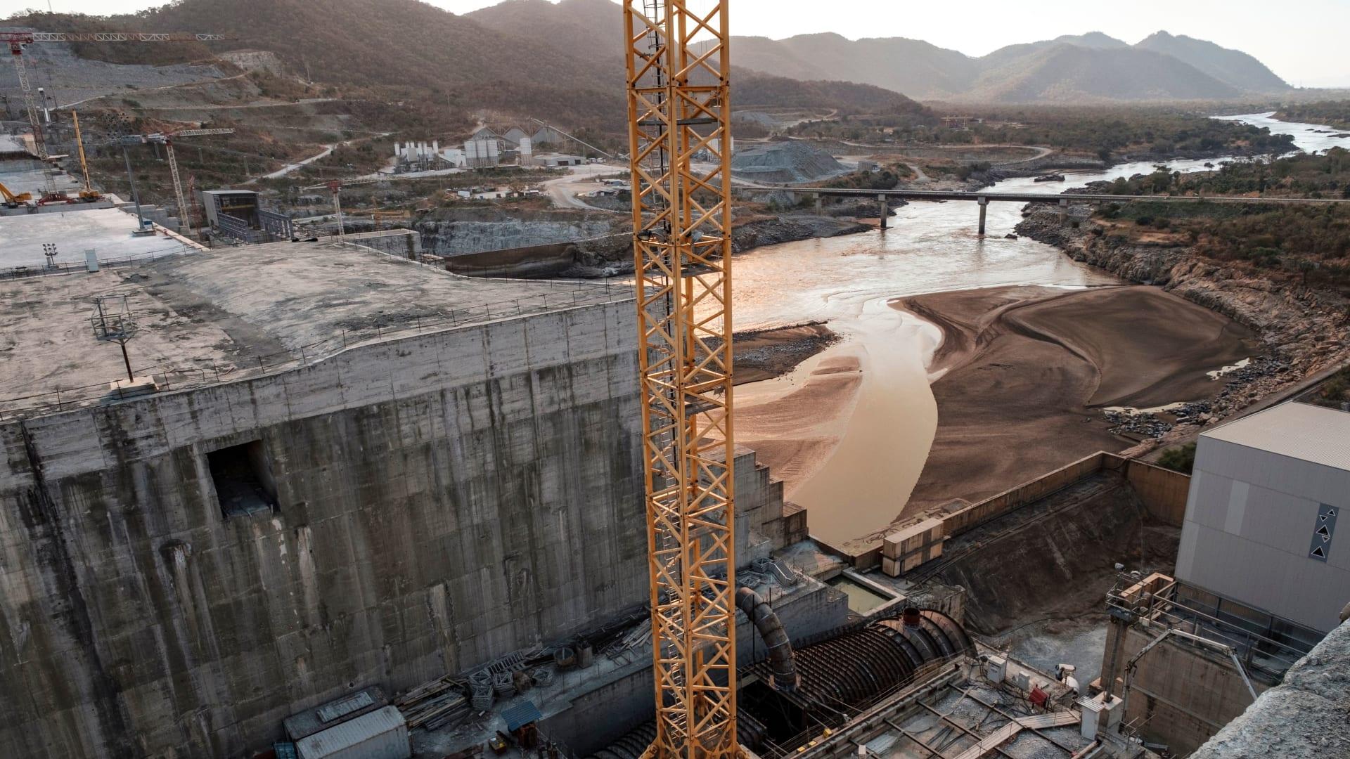 وسط تفاقم الأزمة مع مصر والسودان.. إثيوبيا تحتفل بـ10 سنوات على بناء سد النهضة واكتماله بنسبة 79%