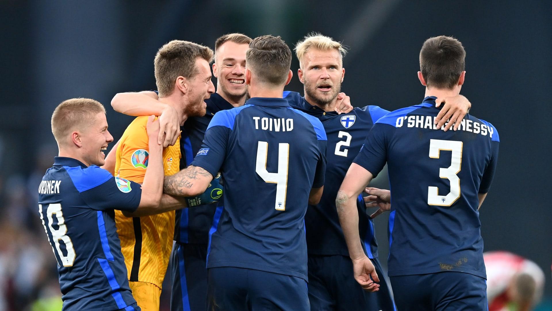 يورو 2020: فنلندا تفوز على الدنمارك بهدف نظيف بعد حادث درامي