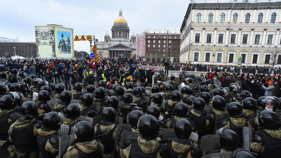 """فوضى وشغب غير مسبوق في شوارع روسيا من أجل نافالني و""""الحرية"""""""