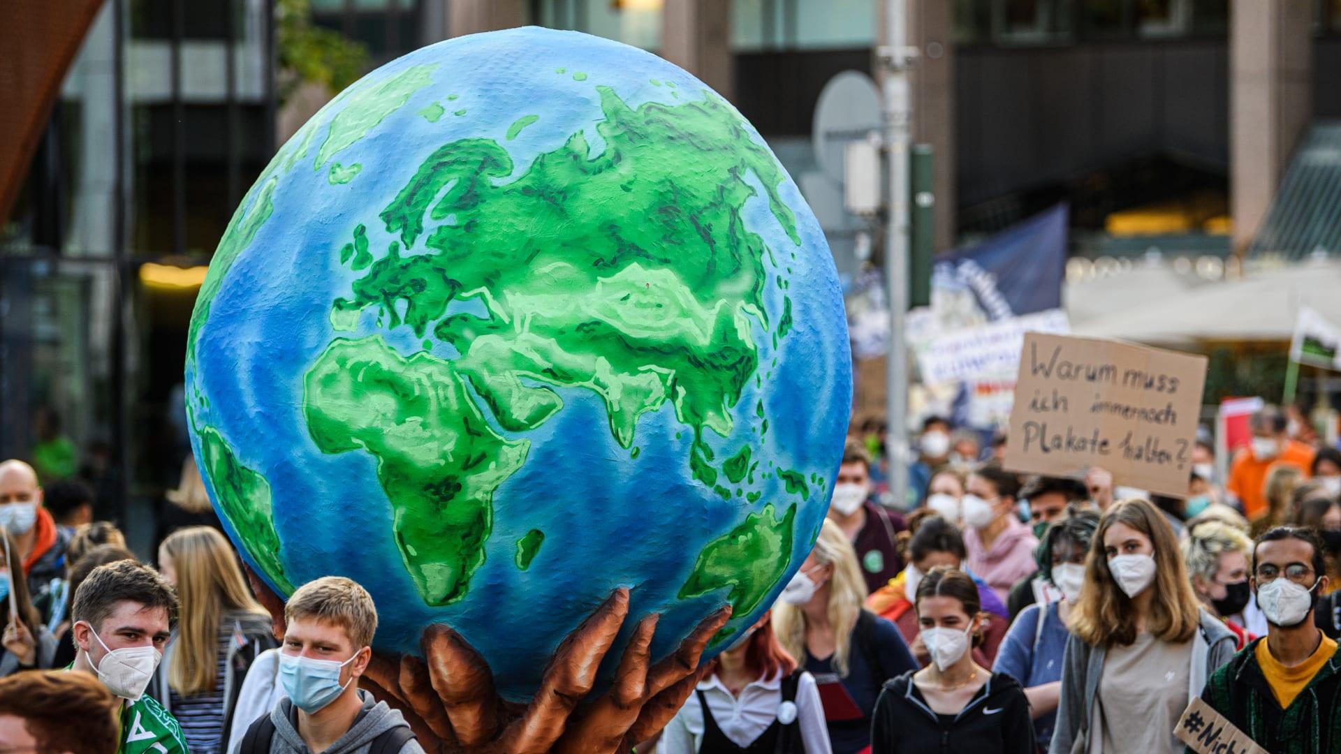 مظاهرة للمطالبة بسياسات مكافحة لتغير المناخ، في 24 سبتمبر 2021 في دوسلدورف، ألمانيا