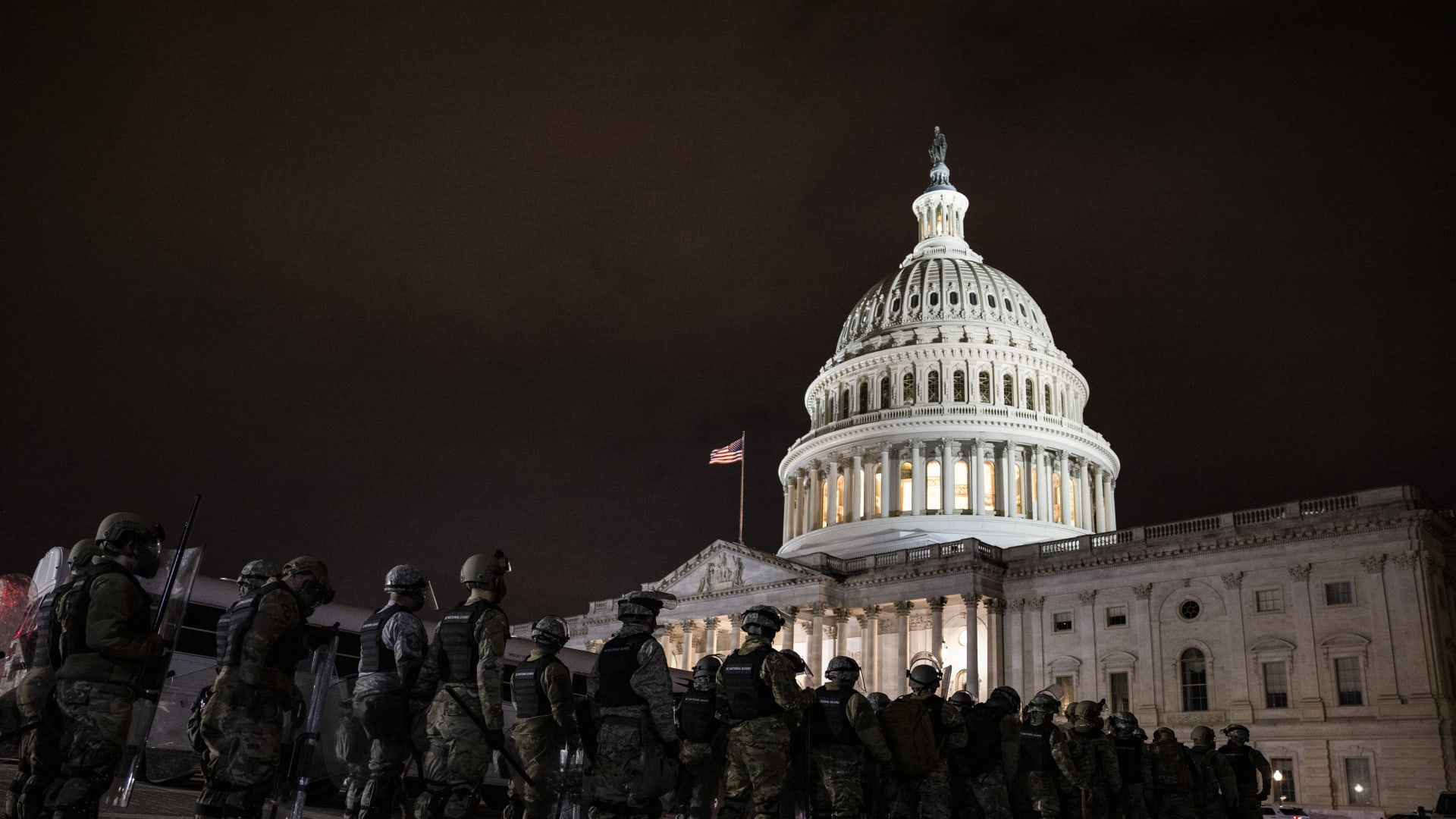 مسؤول بالبنتاغون لـCNN: إرسال 6200 من قوات الحرس الوطني إلى واشنطن