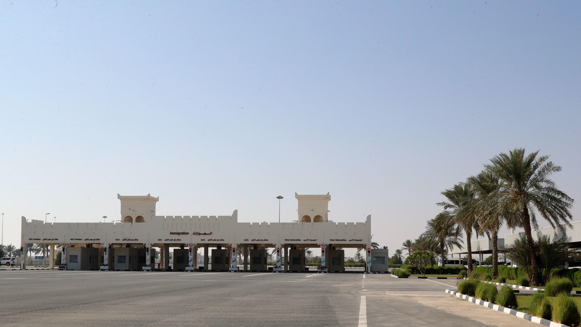 فتح الحدود بين قطر والسعودية.. وأول رحلة للخطوط القطرية عبرت أجواء المملكة