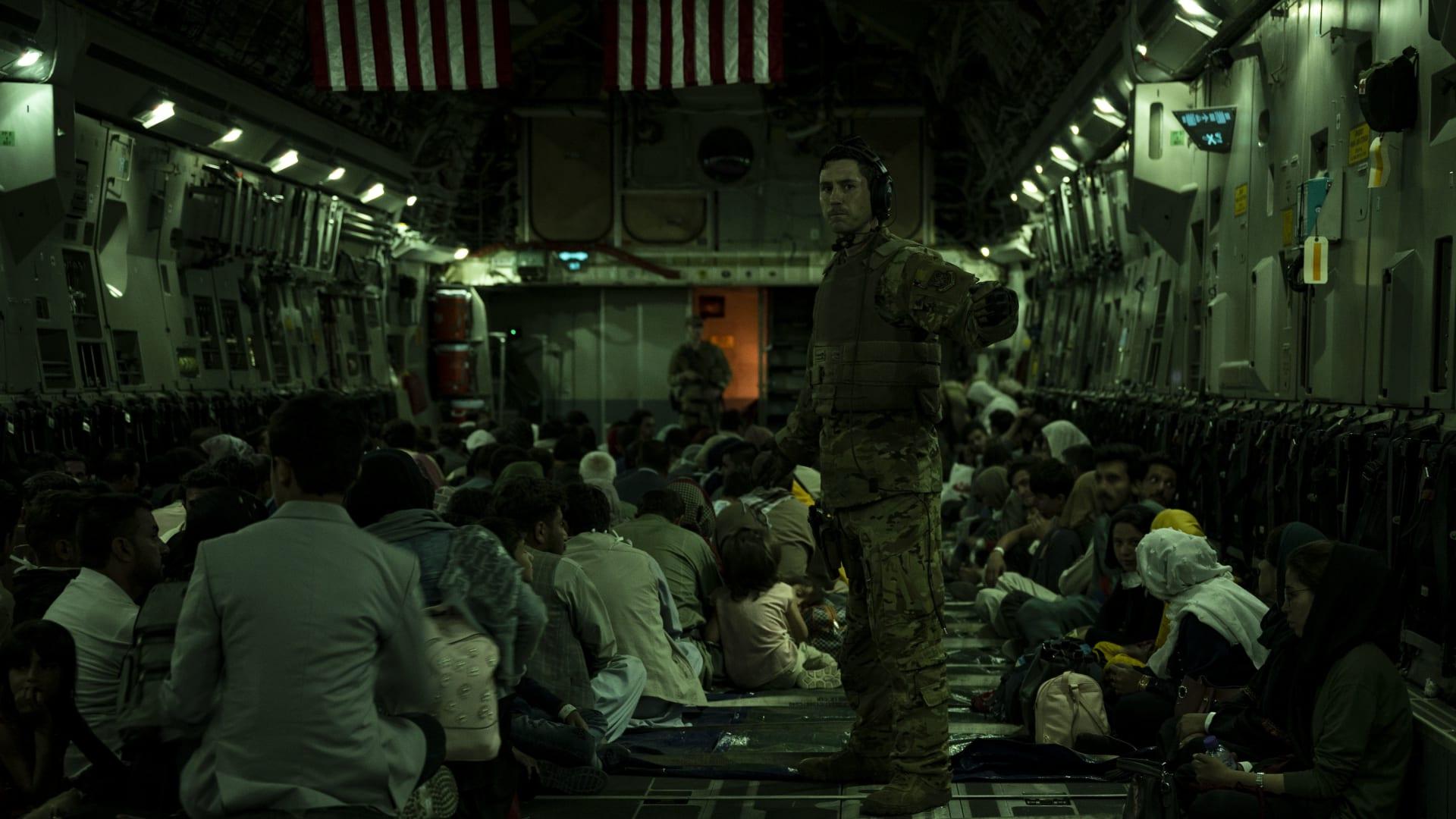 عمليات الإخلاء في مطار كابول