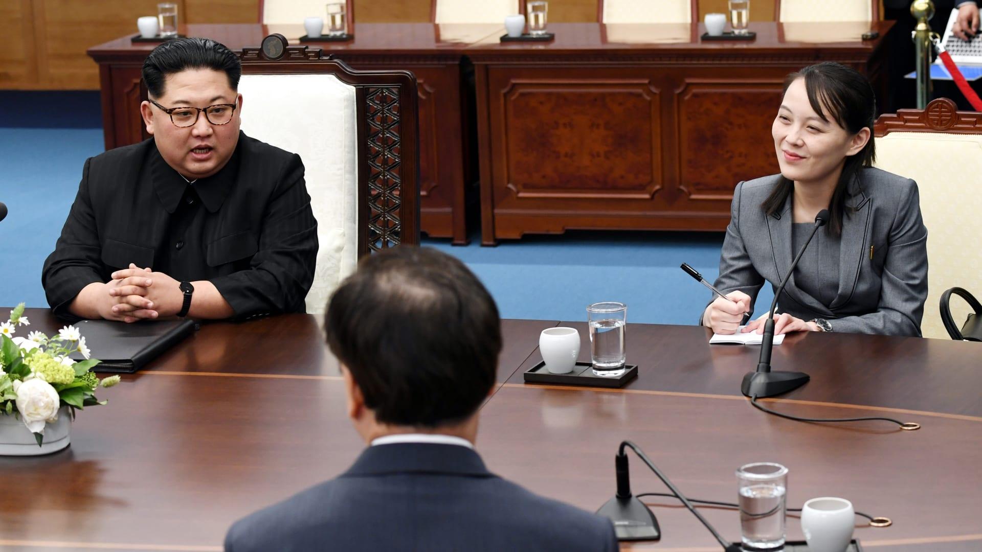 """بعد إعلانها استعداد كوريا الشمالية لـ""""إنهاء الحرب"""".. شقيقة كيم جونغ أون تعلن شرطًا لإتمام المصالحة"""