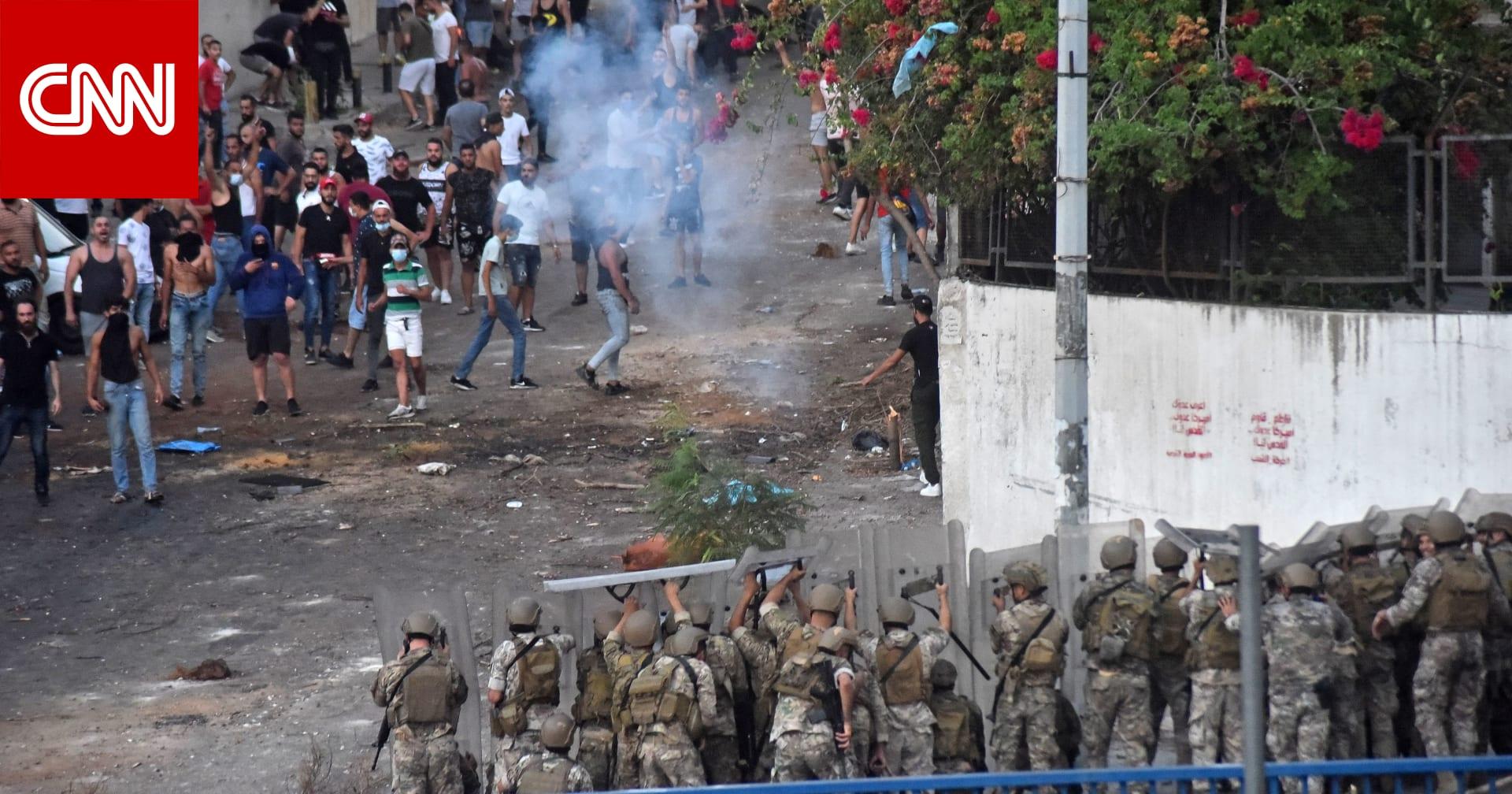 لبنان: انهيار غير مسبوق لليرة واشتباكات مصحوبة باعتذار الحريري عن تشكيل الحكومة