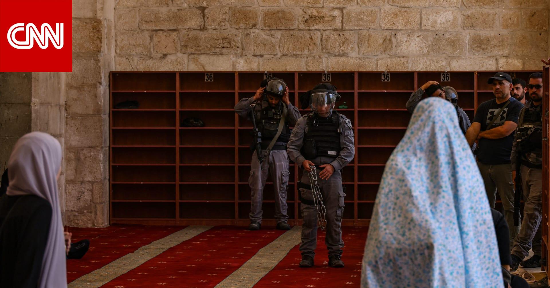 مستوطنون يقتحمون المسجد الأقصى.. ومواجهات بين الشرطة الإسرائيلية وفلسطينيين