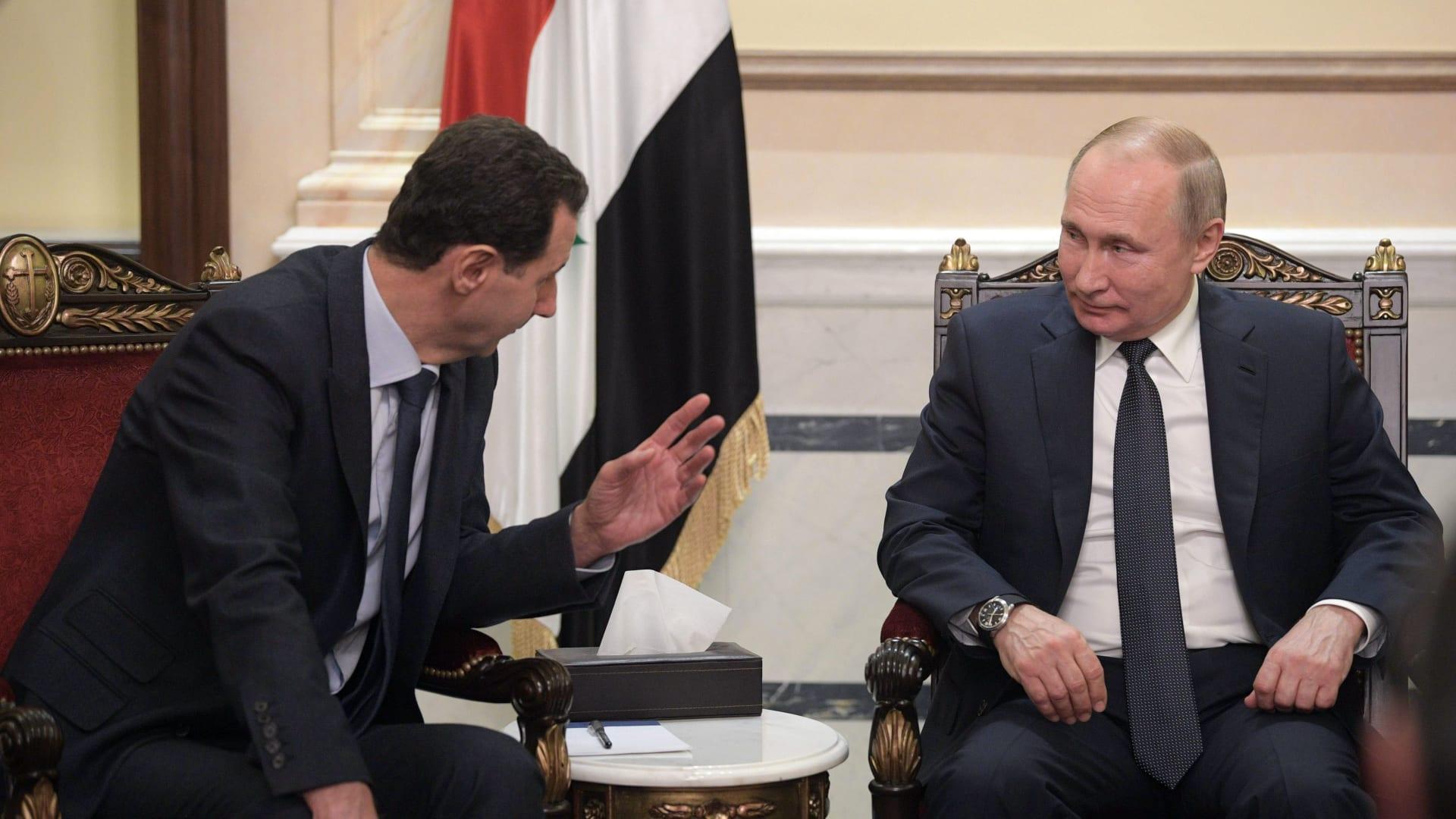 بعد ساعات من لقاء بشار الأسد.. بوتين يعزل نفسه بسبب إصابات كورونا في دائرته