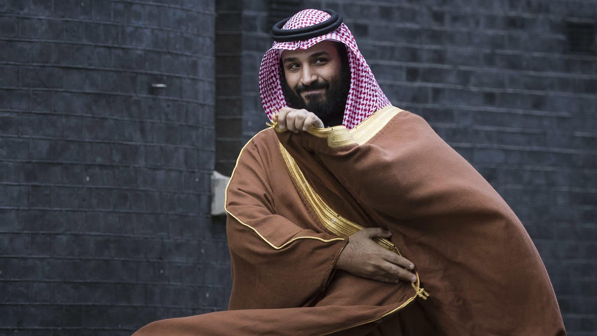 """محمد بن سلمان يطلق برنامج """"شريك"""" ويكشف حجم الاستثمارات الجديدة في السعودية بحلول عام 2030"""
