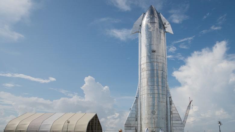 نموذج أولي من صاروخ سبيس إكس الفضائي ينفجر بعد دقائق من هبوط ناجح.. وإيلون ماسك يعلق
