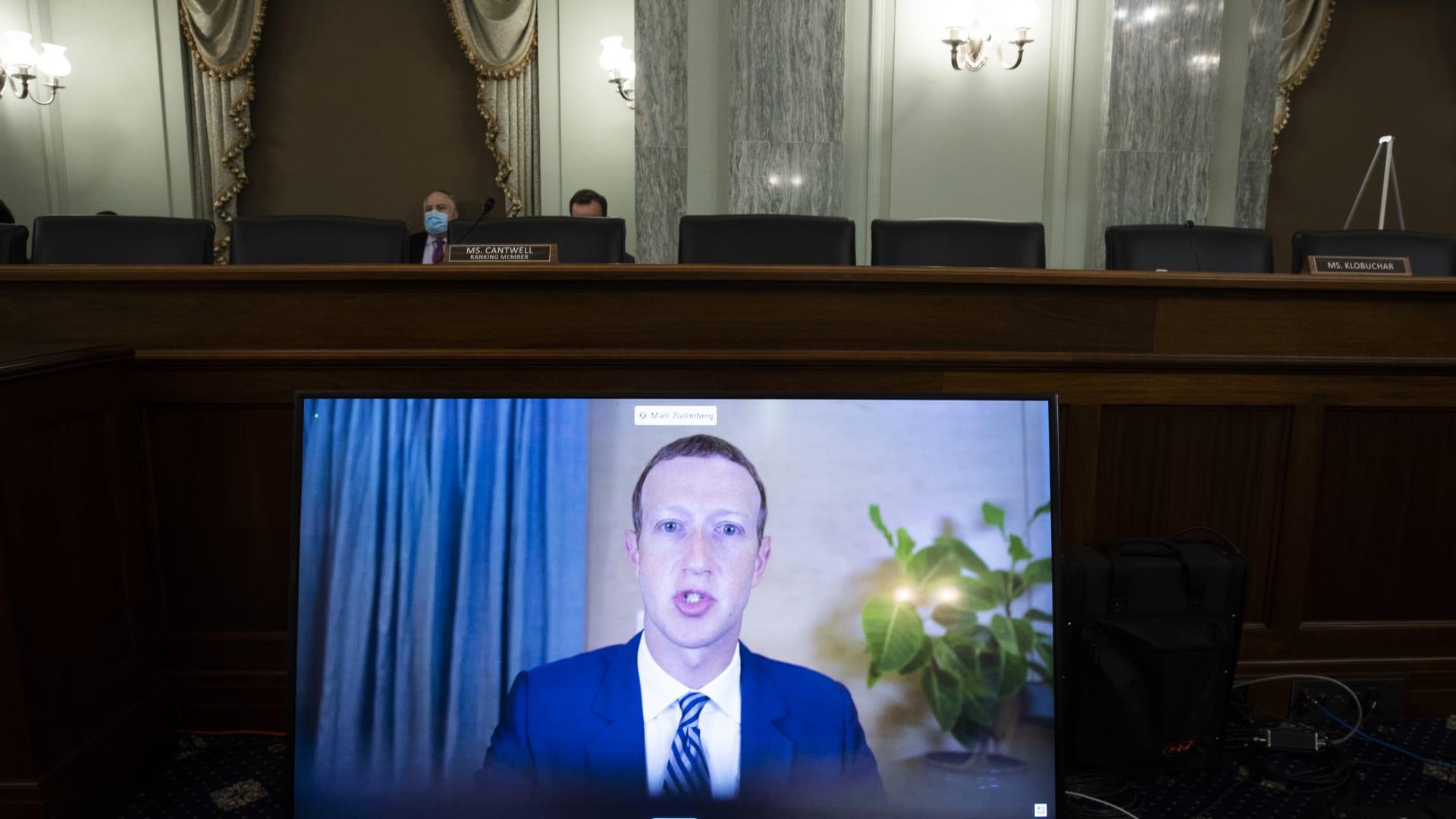 استجواب المدراء التنفيذيين لفيسبوك وتويتر وغوغل أمام الكونغرس بشأن المعلومات المضللة