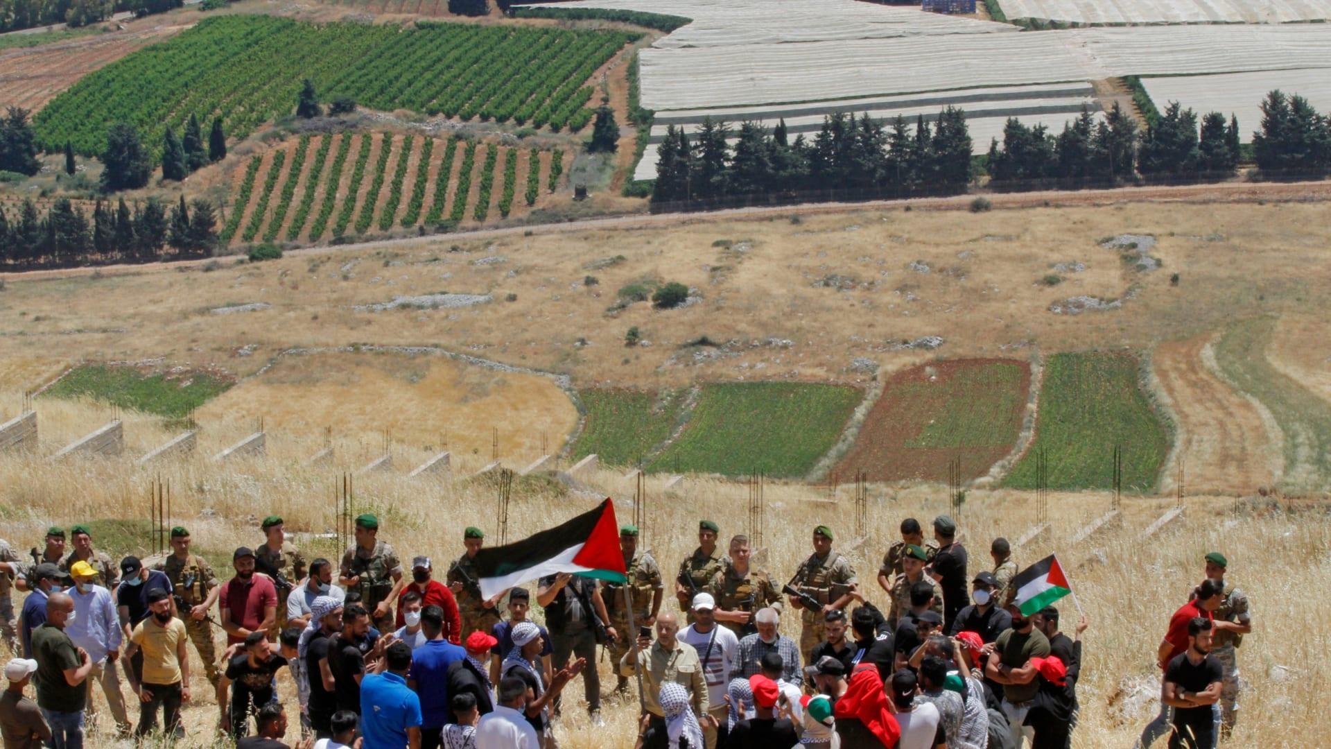 متظاهرون على الحدود اللبنانية الإسرائيلية