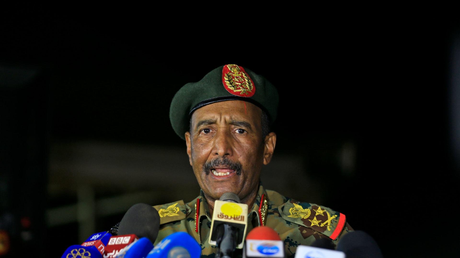 """البرهان: نزاعنا مع إثيوبيا قديم.. وانتشار الجيش على الحدود """"وقفة أتت في وقتها"""""""