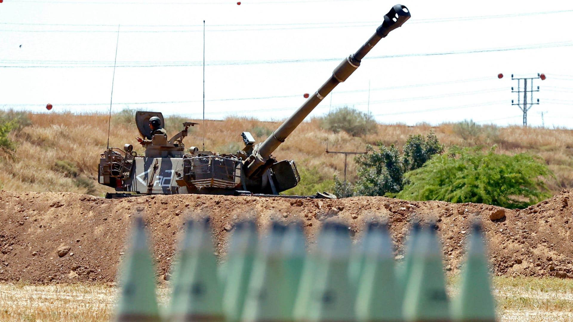 صورة لدبابة إسرائيلية قرب فطاع غزة