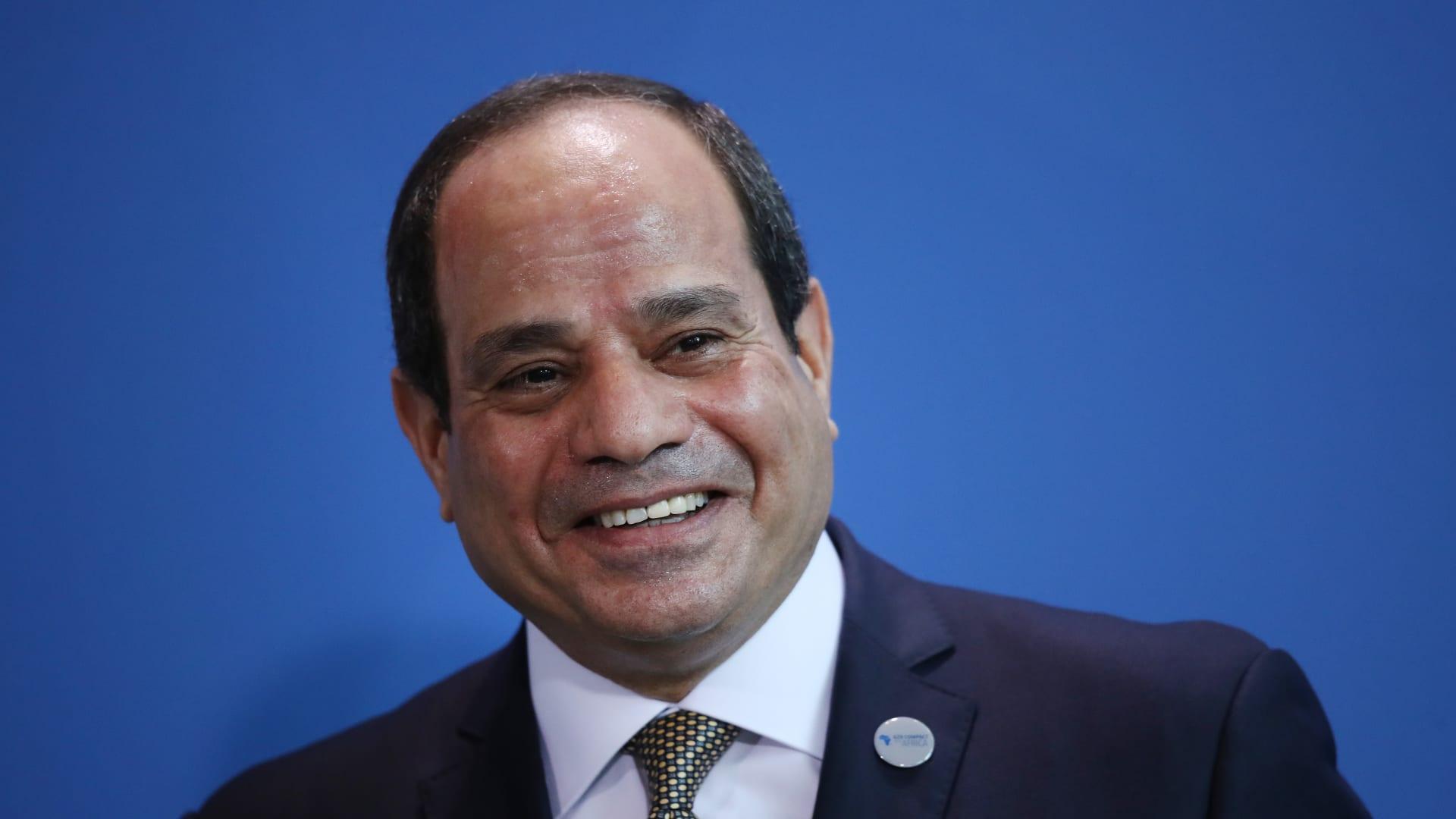 الرئاسة المصرية تكشف ما قاله السيسي لأمير قطر في أول اتصال بينهما منذ الأزمة