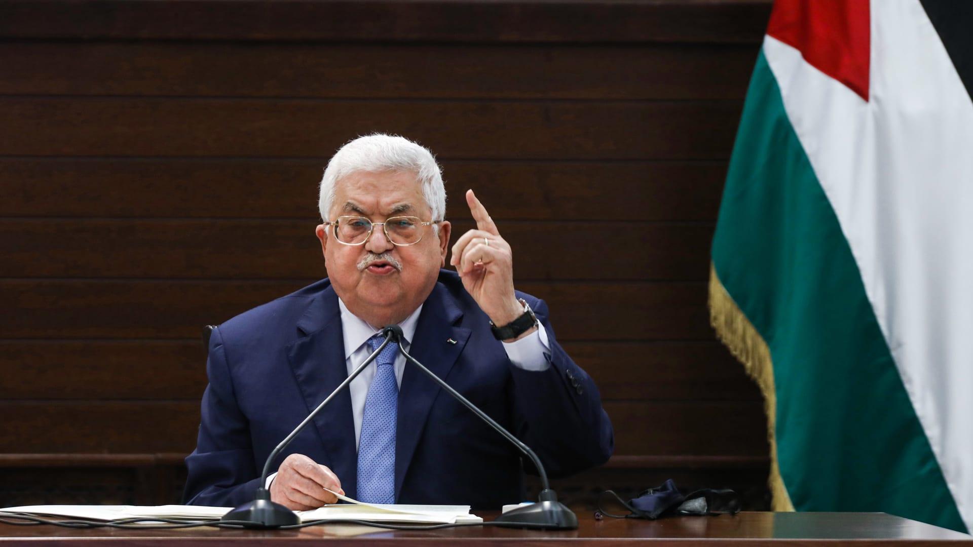 فيديو متداول لمحمود عباس يوجه شتائم خلال اتصال مع مسؤول فلسطيني