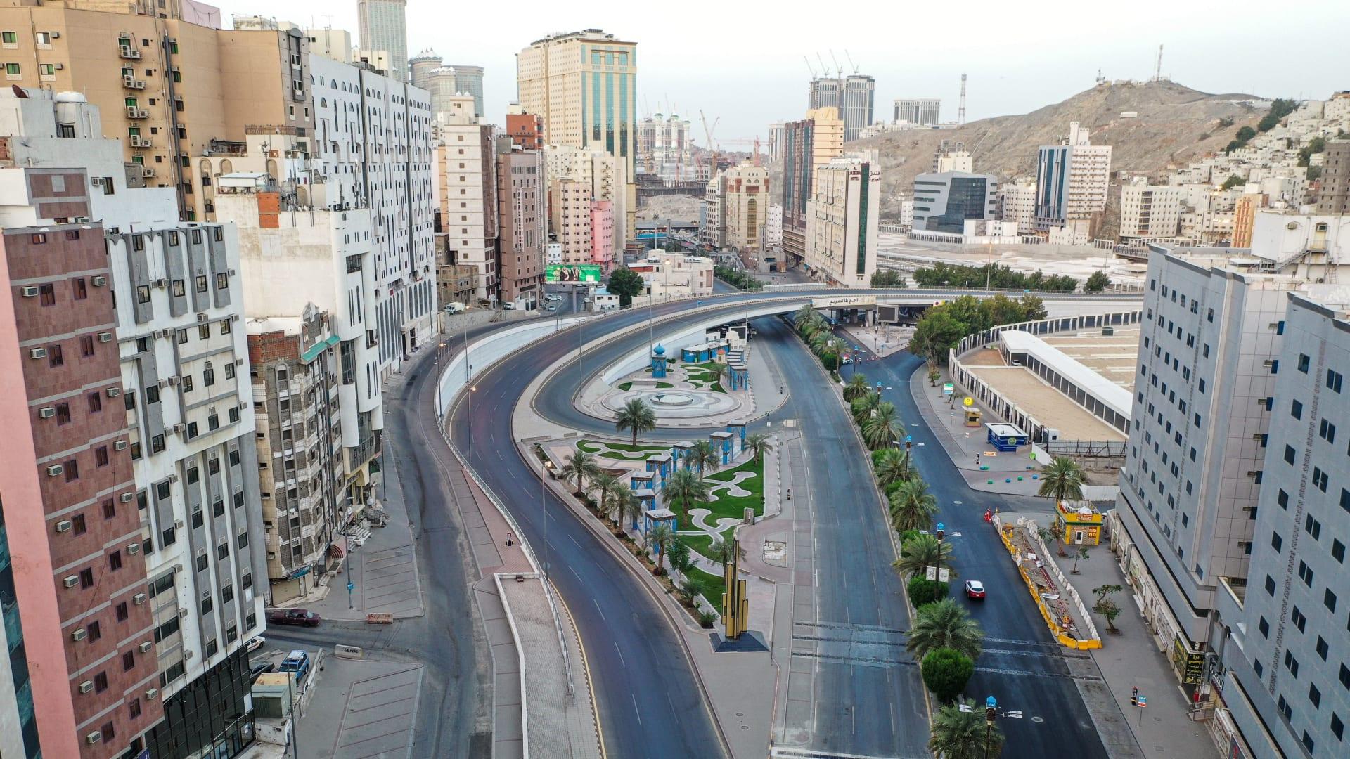 السعودية.. مواطن يقتل زوجته ويعتدي على ابنه بسلاح أبيض في مكة