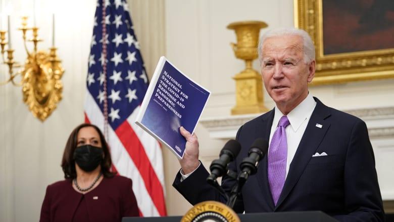 """بايدن يكشف ملامح خطة """"زمن الحرب"""" لمواجهة كورونا بعد """"فشل"""" ترامب في التصرف"""