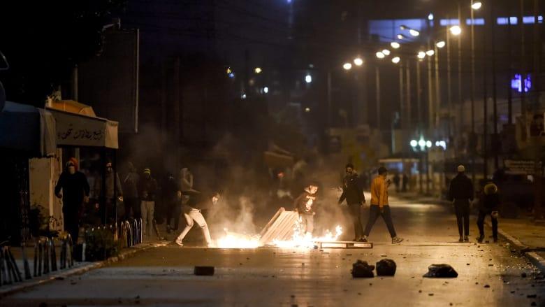 انتشار وحدات من الجيش التونسي في 4 ولايات تزامنا مع احتجاجات ضد تردي الأوضاع الاقتصادية