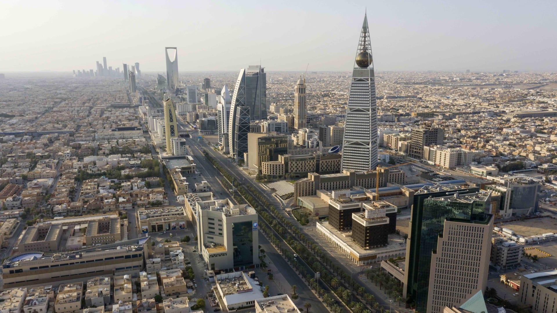 هل يعود اقتصاد السعودية إلى ما كان عليه قبل كورونا؟.. أزعور يجيب