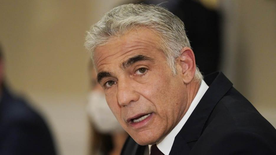 ما الذي يفعله وزير الخارجية الإسرائيلي في الإمارات؟