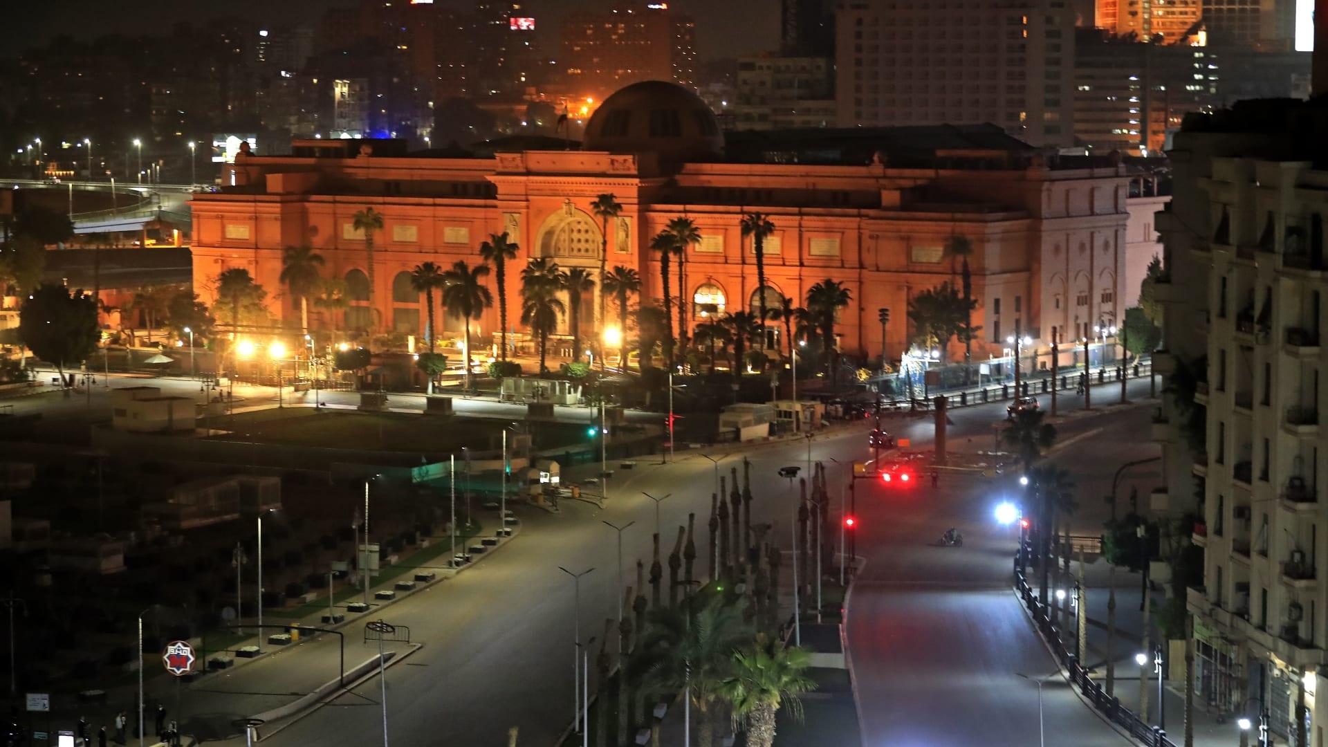 مصر تراجع اللمسات الأخيرة قبيل انطلاق الموكب الذهبي لمومياوات ملوك الفراعنة