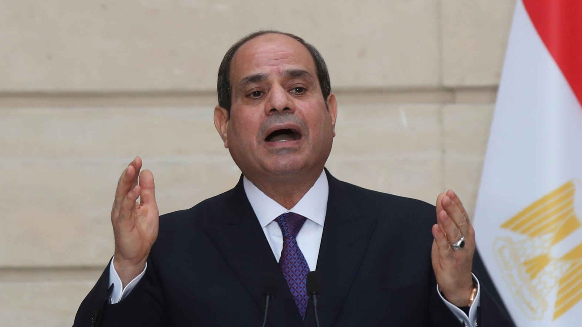 """السيسي: """"الخطوط"""" التي أعلنتها بشأن التدخلات الخارجية حققت التوازن في ليبيا"""