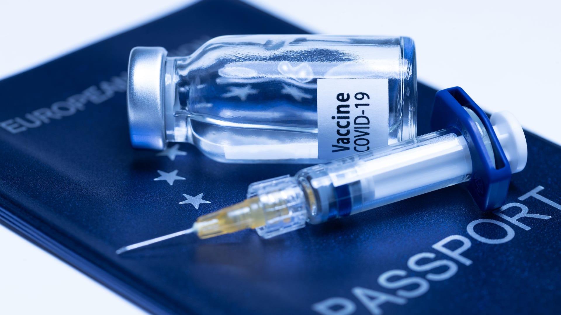 """الصحة العالمية تعمل على إصدار """"الشهادة الرقمية الذكية"""" بدلا من """"جواز سفر اللقاح"""""""