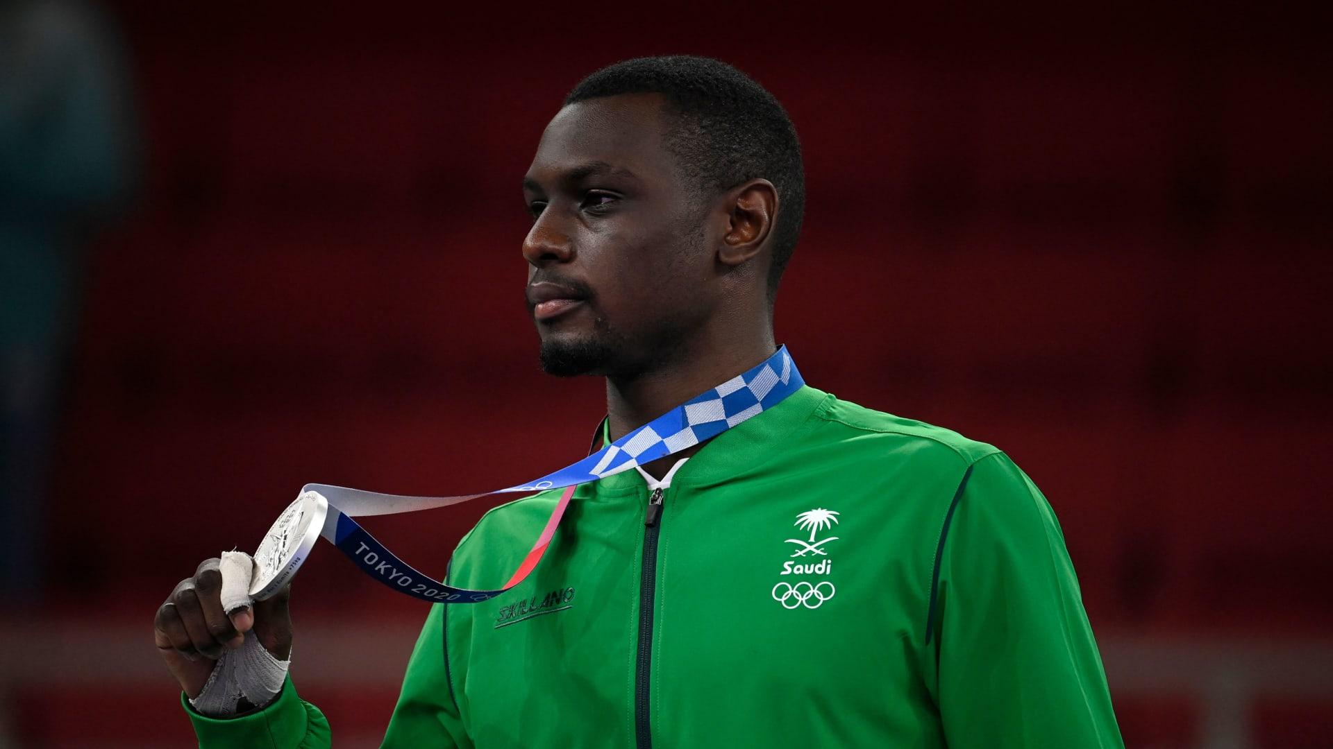 لجين الهذلول توجه رسالة لطارق حامدي بعد تحقيقه فضية أولمبياد طوكيو