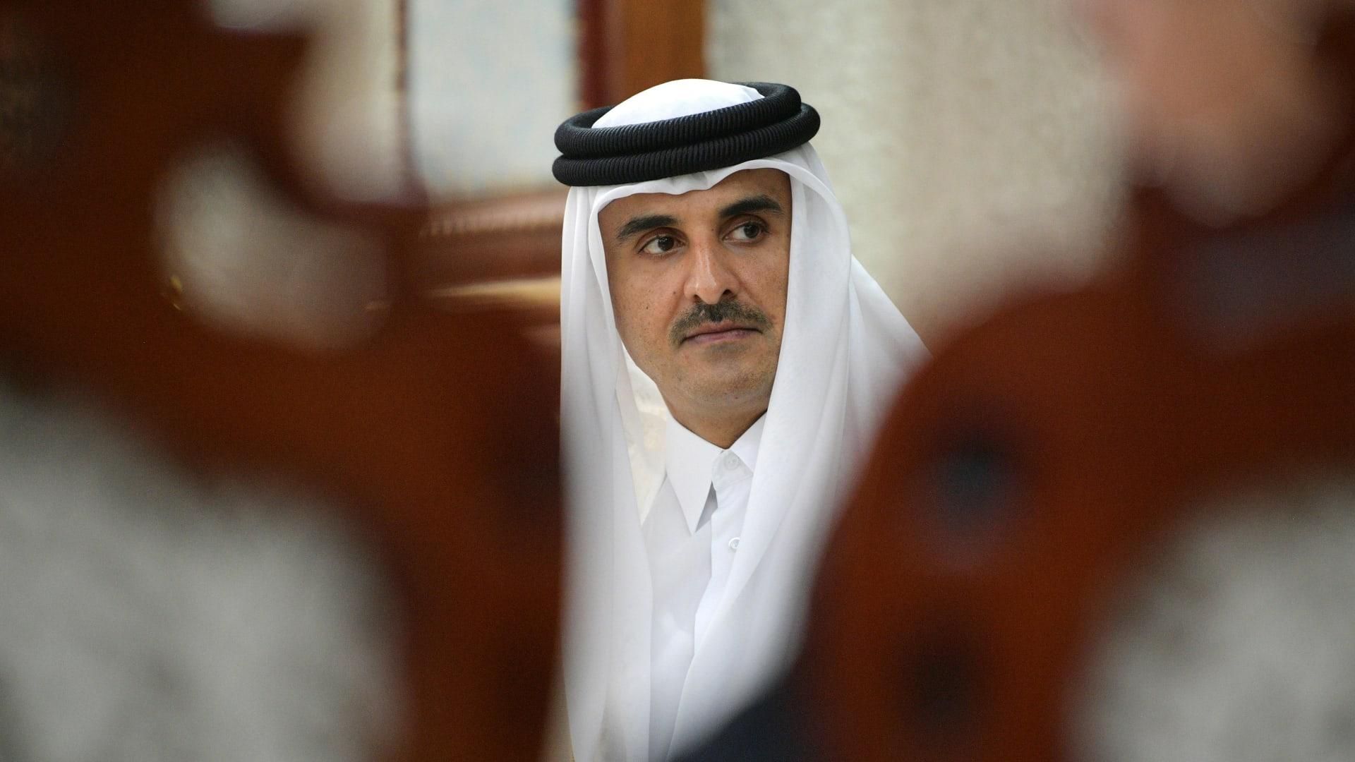 الديوان الأميري: أمير قطر يعلن دعمه السعودية خلال اتصاله مع ولي العهد السعودي