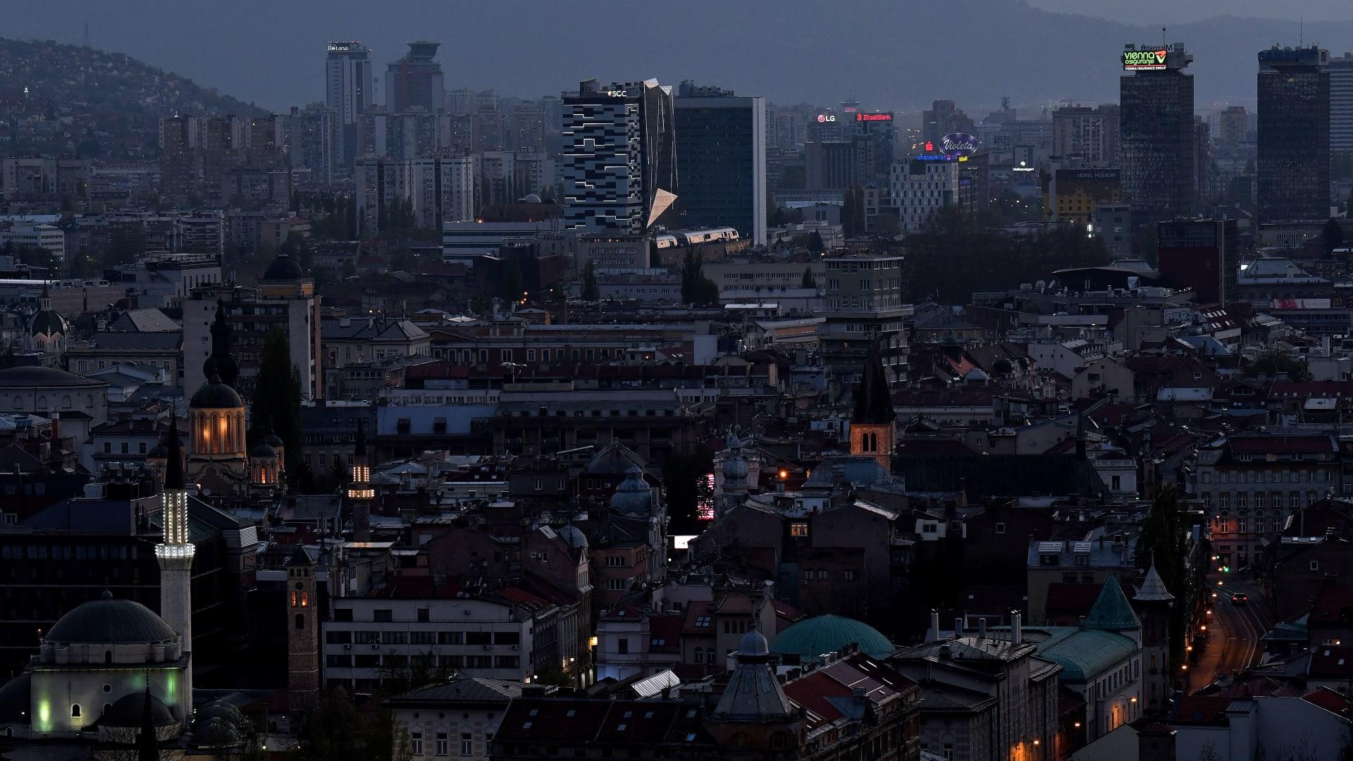 استمر حصار سراييفو لسنوات.. والآن معركة المدينة مستمرة مع كورونا بلا نهاية تلوح في الأفق