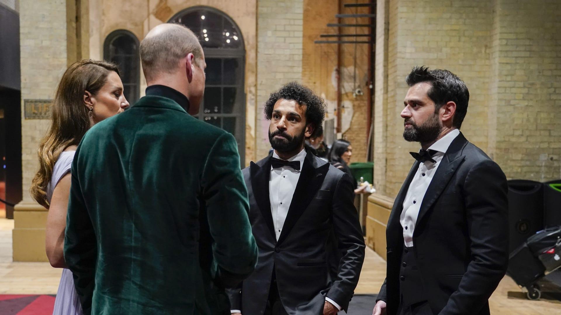 فيديو متداول.. محمد صلاح بحديث ودي مع الأمير ويليام وزوجته