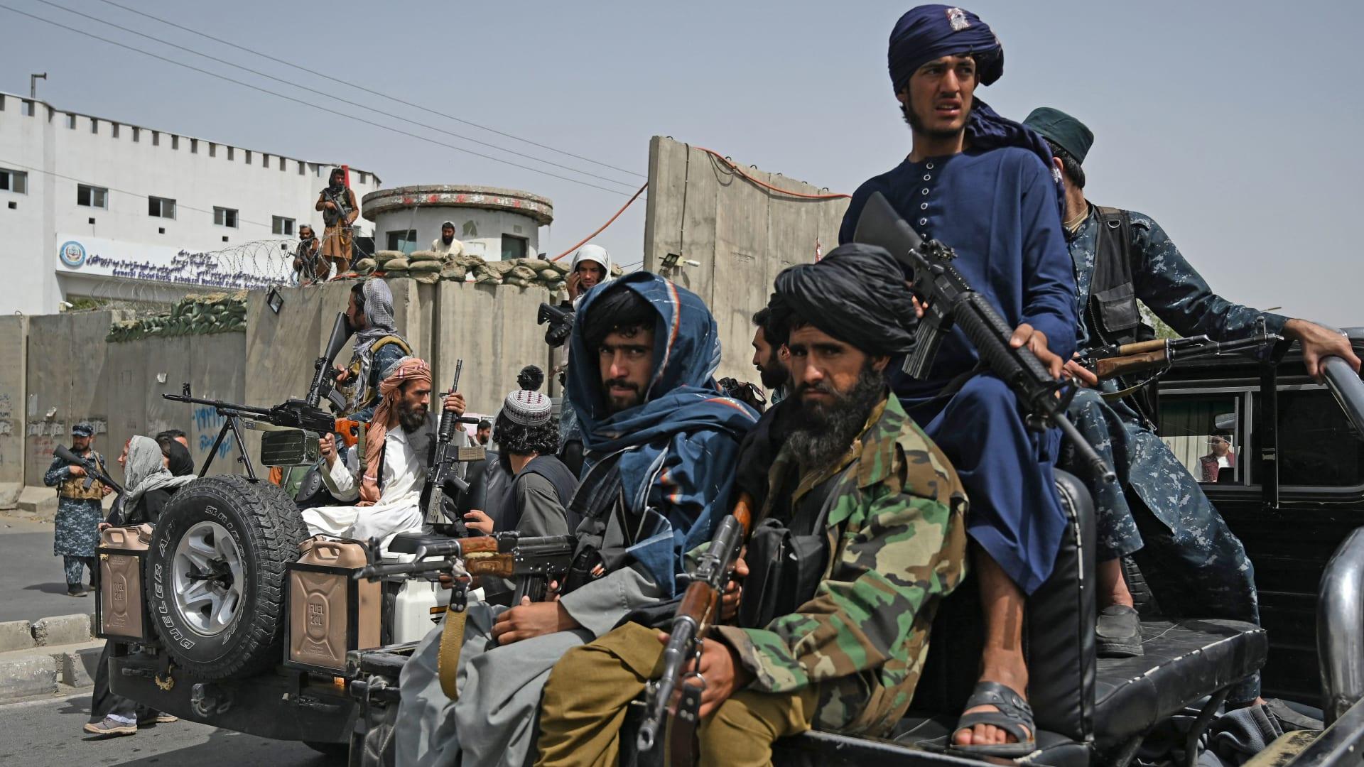 وزير الدفاع في حكومة طالبان يحذر مقاتلي الحركة من القتل التعسفي وسوء السلوك
