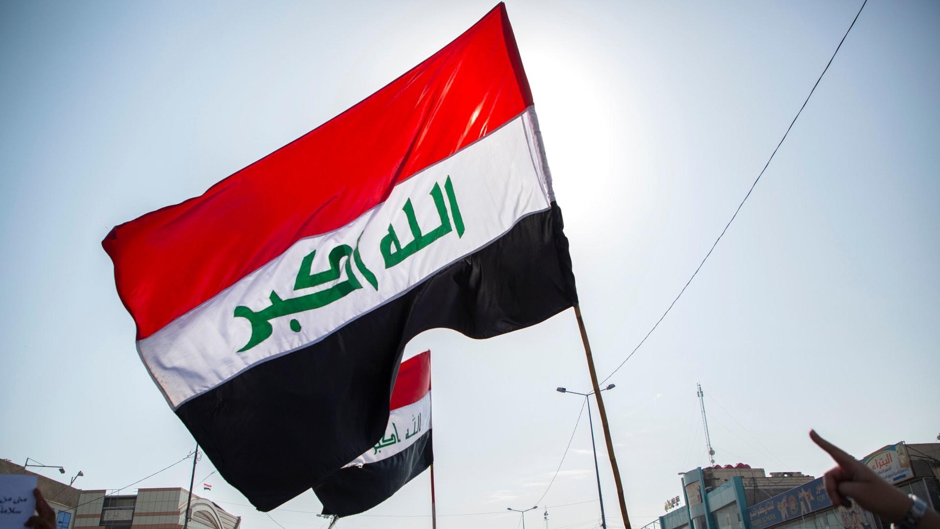 علم العراق السابق يثير أزمة مع الأردن على هامش لقاء لمسؤولي البلدين