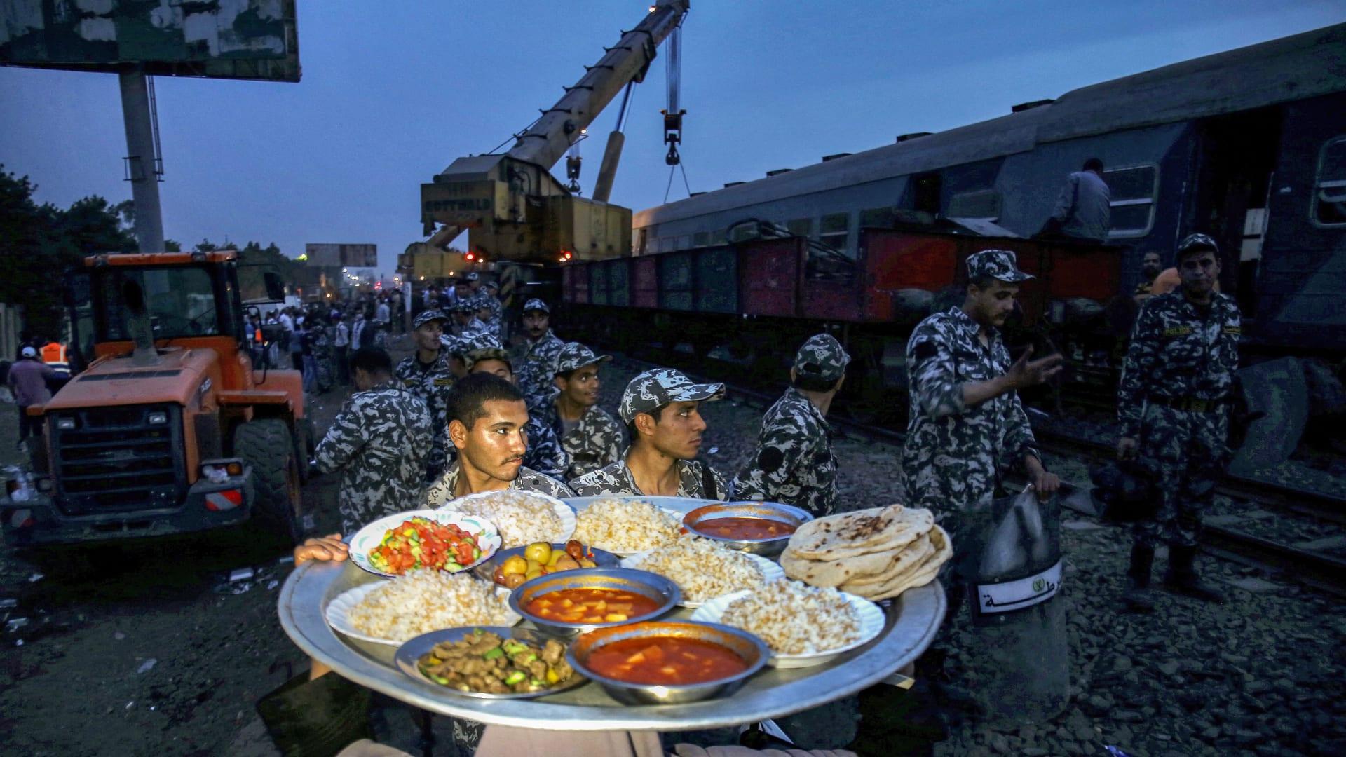 """مصر: """"كفر الحصة"""" القرية التي """"عزمت القطار"""" على إفطار رمضان بعد حادث مأساوي"""