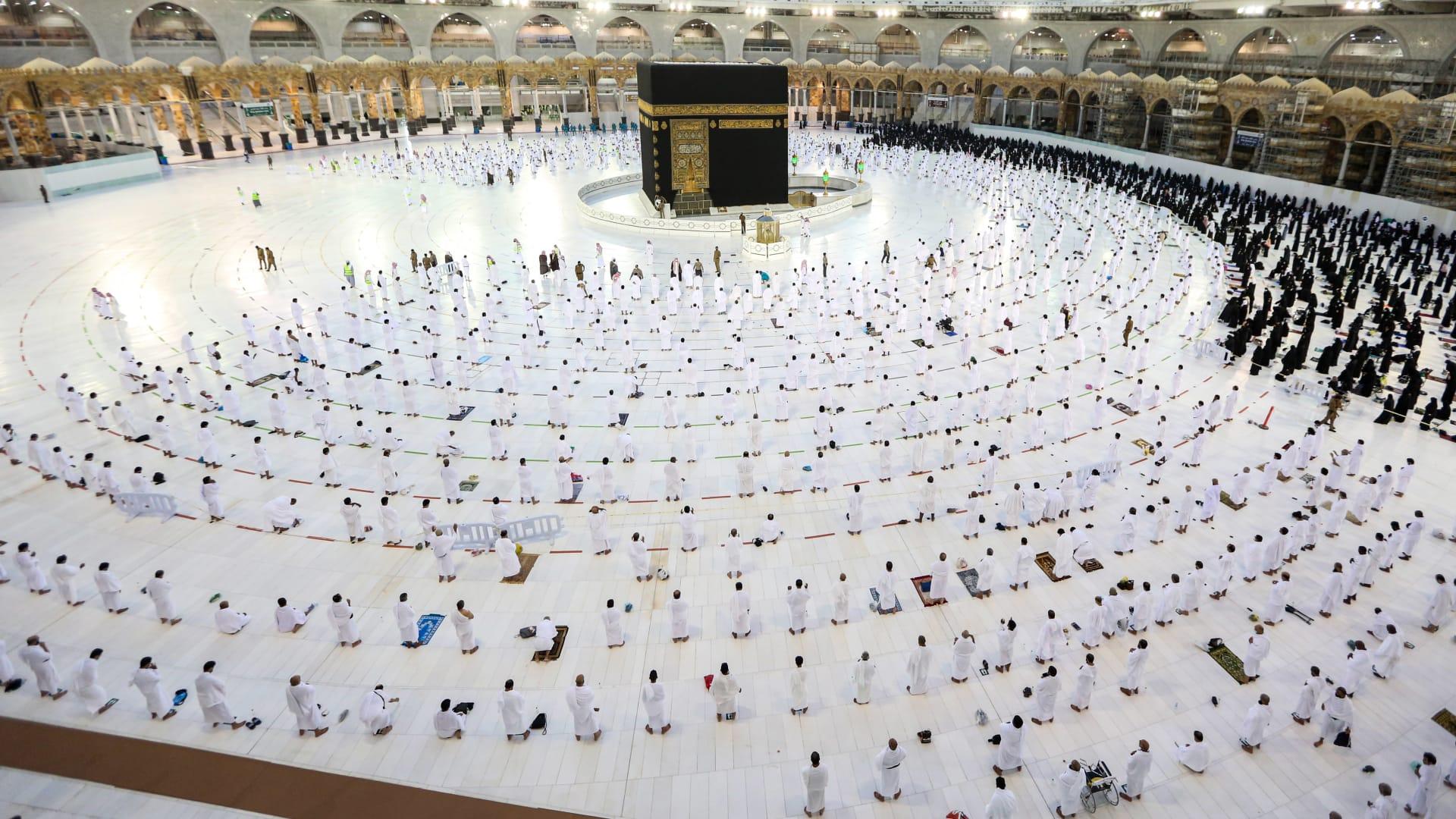 السعودية تعلن إجراءات احترازية لصلاة التراويح والقيام والعمرة في رمضان