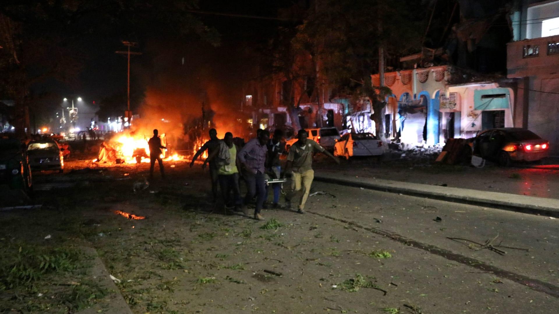 الصومال: انفجار سيارة أمام فندق يقصده مسؤولون حكوميون في مقديشيو
