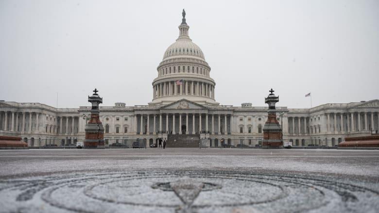 الكونغرس يوافق على خطة الموازنة في خطوة تساعد الديمقراطيين بتمرير حزمة إغاثة بايدن