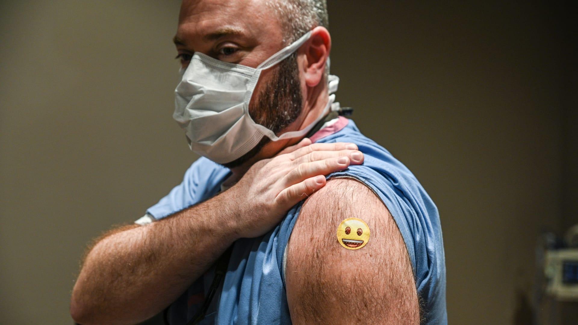 تحليل لـ CNN: انخفاض إصابات كورونا في مناطق ارتفاع نسبة التطعيمات