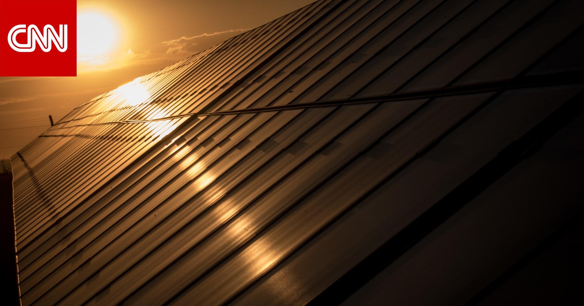 السعودية تفتتح مشروع محطة سكاكا للطاقة الشمسية شمال المملكة
