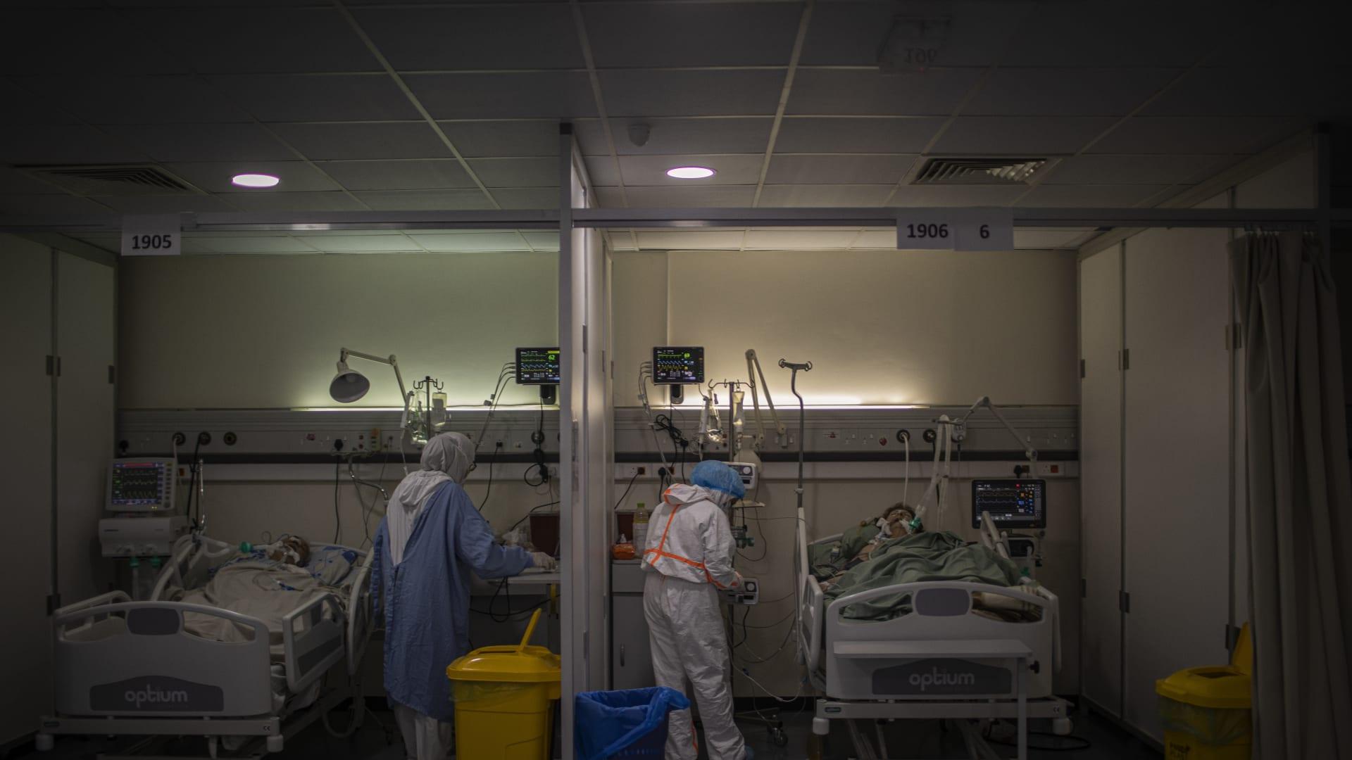 مليونا جرعة.. لبنان يستقبل أول لقاح مضاد لفيروس كورونا بدعم من البنك الدولي