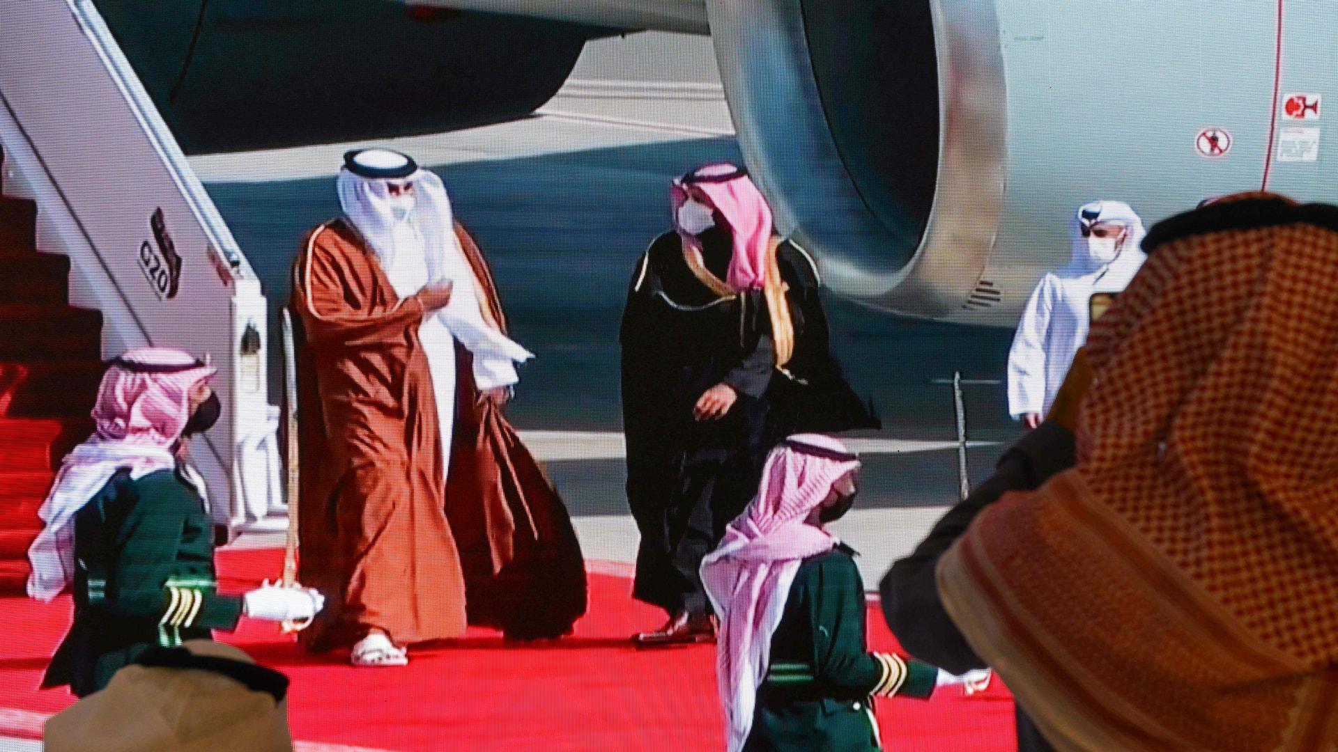 بعد يوم من اتصاله بالسيسي.. أمير قطر يتحدث مع ولي العهد السعودي