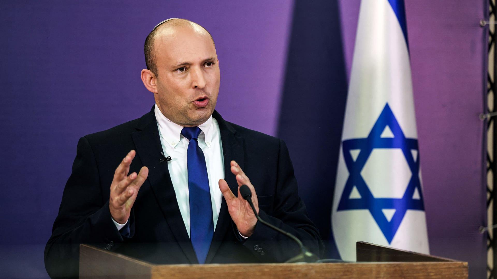 نافتالي بينيت.. من هو زعيم المعارضة الإسرائيلية منافس نتنياهو؟