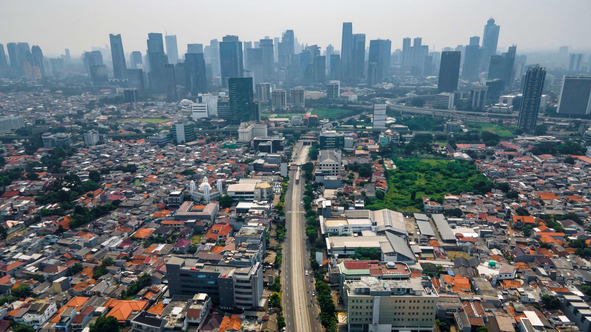 السعودية تمنع مواطنيها من السفر لإندونيسيا بسبب متحور كورونا الجديد