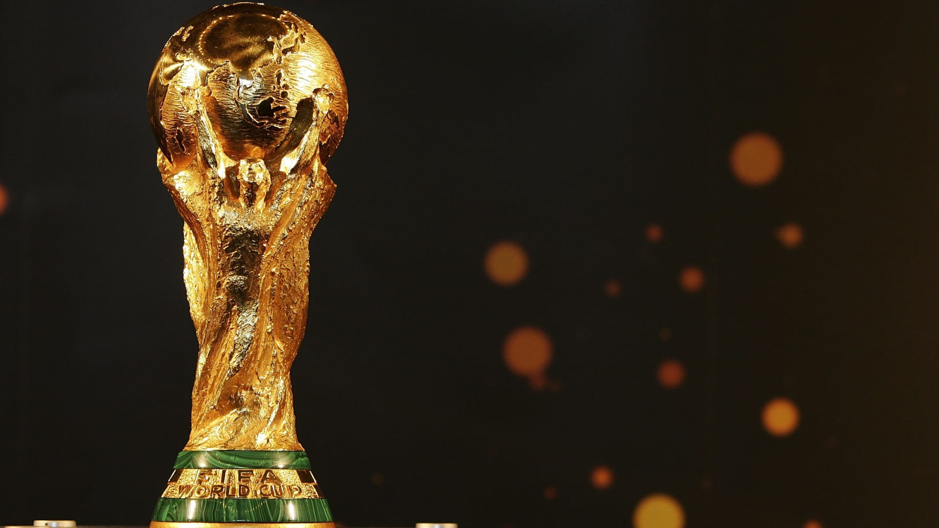 الفيفا يدرس اقتراحا سعوديا قد يغير شكل كأس العالم للرجال والسيدات