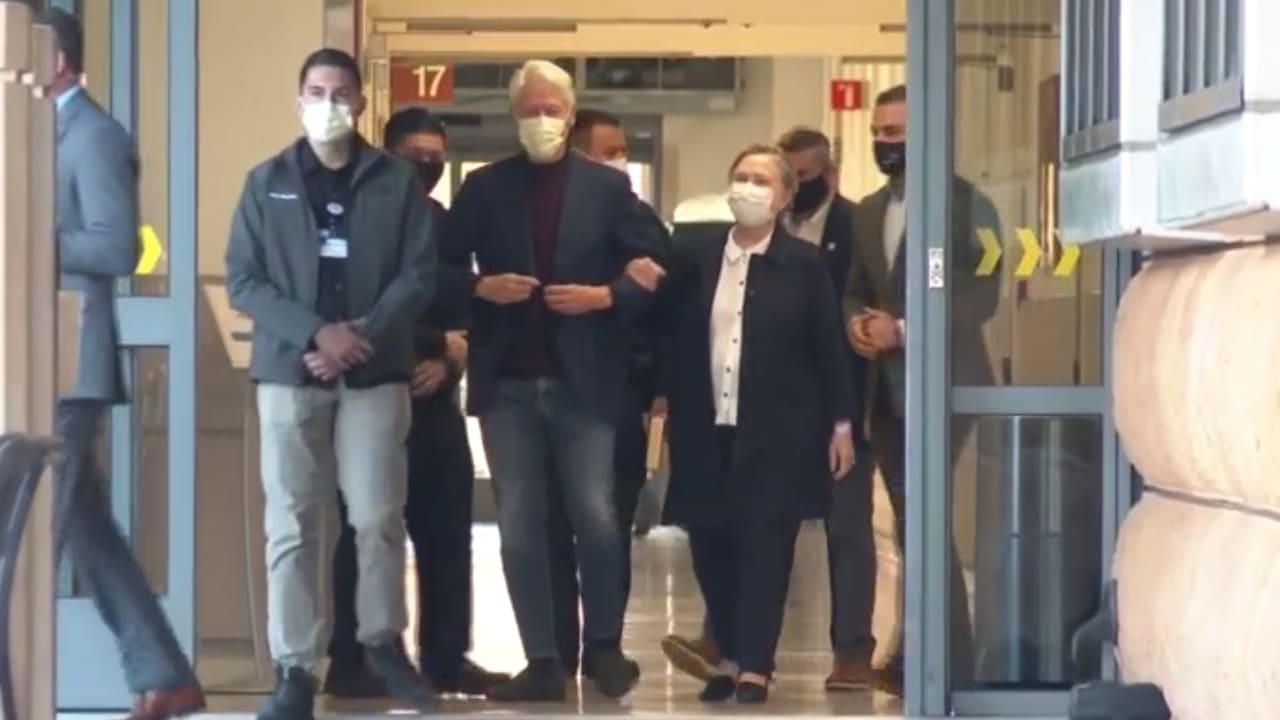 شاهد لحظة مغادرة بيل كلينتون للمستشفى بعد العلاج من العدوى