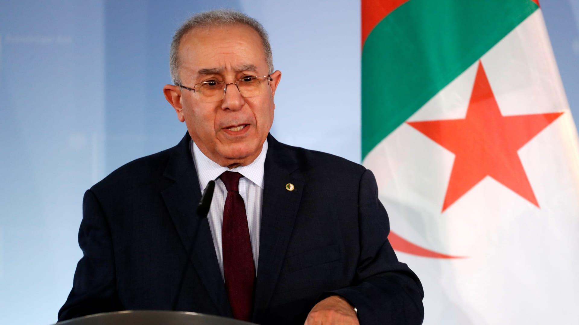 الجزائر تقرر قطع العلاقات الدبلوماسية مع المغرب.. ما أسبابها؟ - CNN Arabic